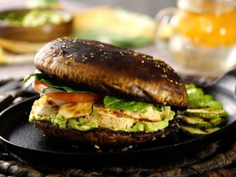 Sandwich de Portobello y pollo
