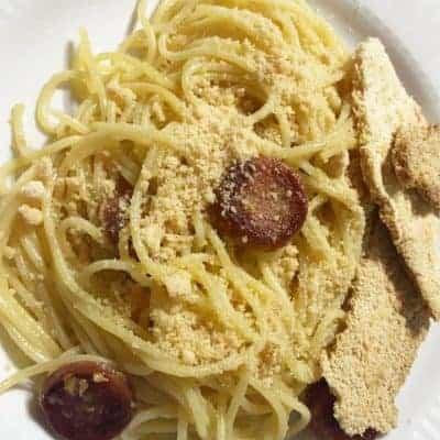 Receta de Espaguetis Aglio, Olio, Peperoncino y salchichas Picante